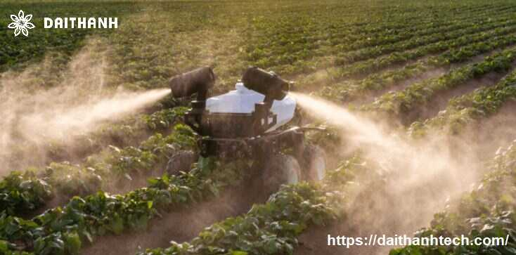 phun thuốc trừ sâu cho rau sạch